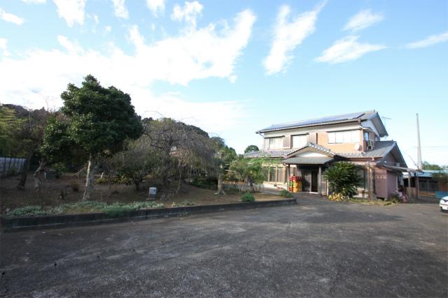 田舎暮らし 千葉 茂原市 敷地636坪 温室・庭木に整った広い庭園と大型和風家屋